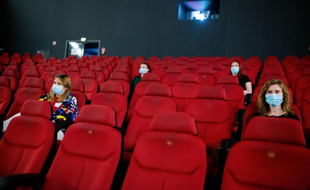 cinema_social-distancing.jpg (364.61 Kb)